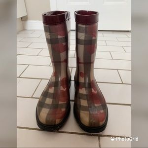 Burberry Limited Edition Nova Hearts Rain Boots
